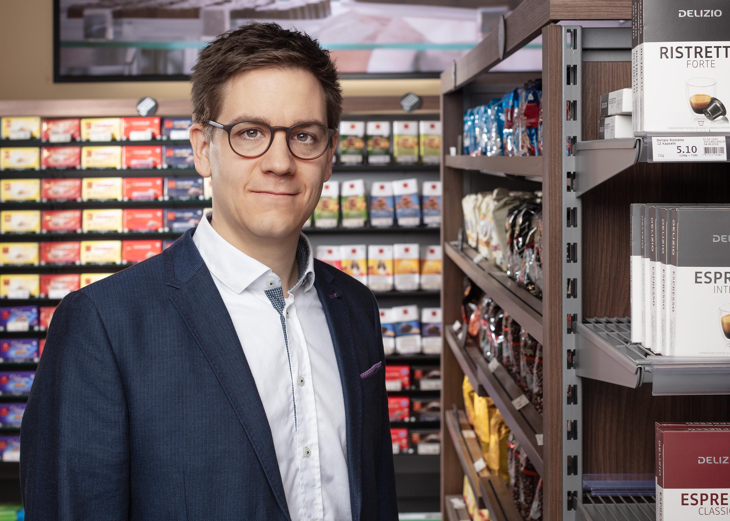 Dr. Adrian Gadient-Brügger